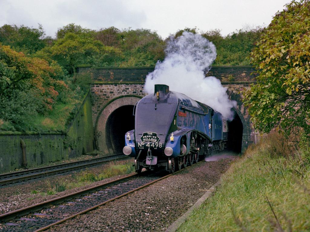 Видео больших поезд