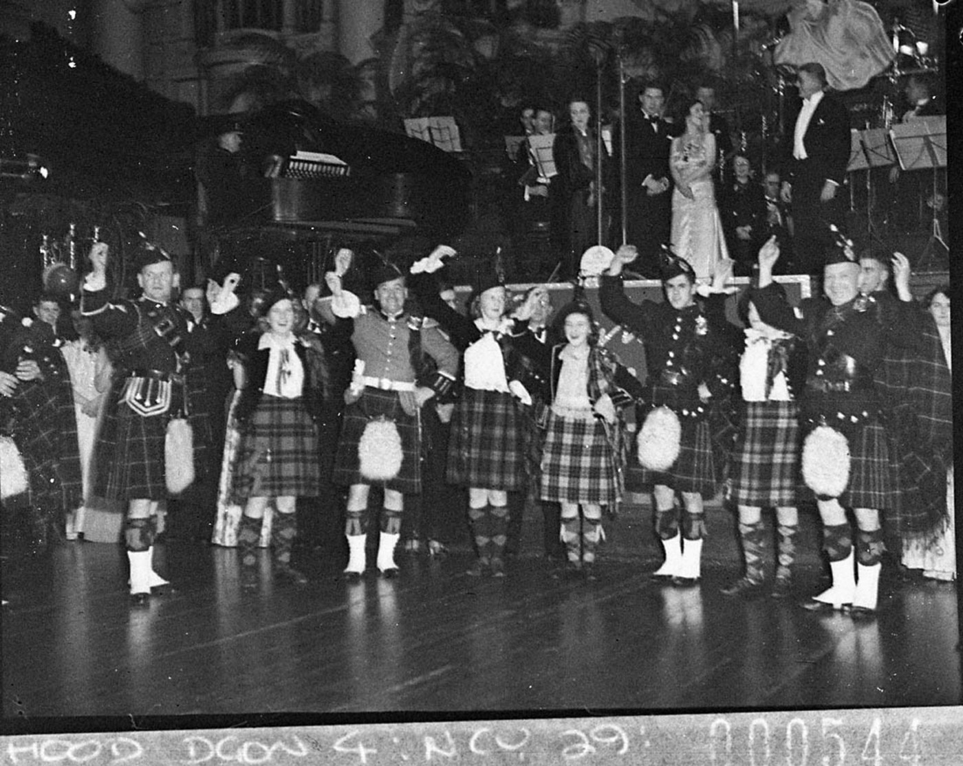 Fileslnsw 11542 2ch Old Time Dance At The Town Hall Highland