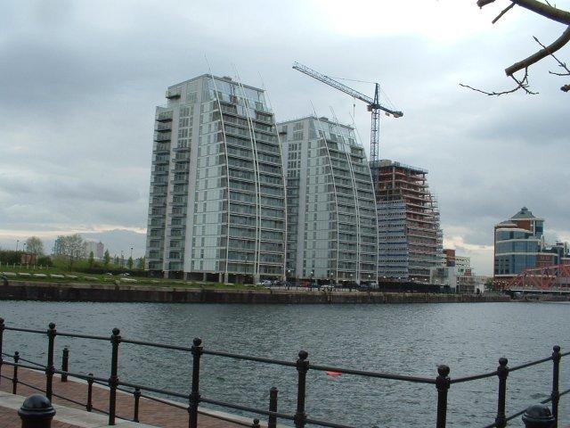 File Salford Quays Modern Apartments Geograph Org Uk 5008 Jpg