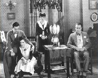 Louise Brooks (staand) in de film The Show Off