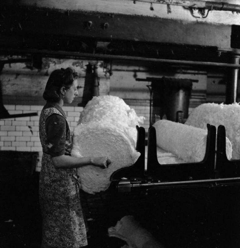 information about cotton industry The exemption of raw cotton from the prohibition initially saw 2 thousand bales of cotton imported annually, to become the basis of a new indigenous industry, initially producing fustian for the domestic market, though more importantly triggering the development of a series of mechanised spinning and weaving technologies.