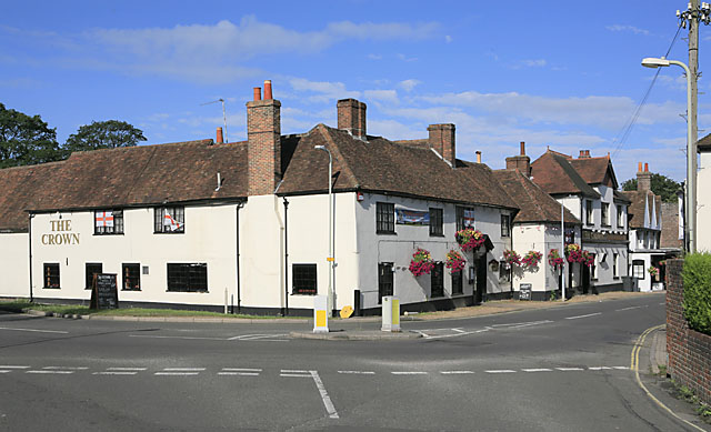 The Crown pub, Bishop's Waltham - geograph.org.uk - 226739