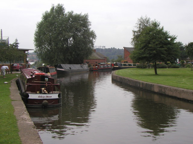 The start of the Caldon Canal - geograph.org.uk - 315837
