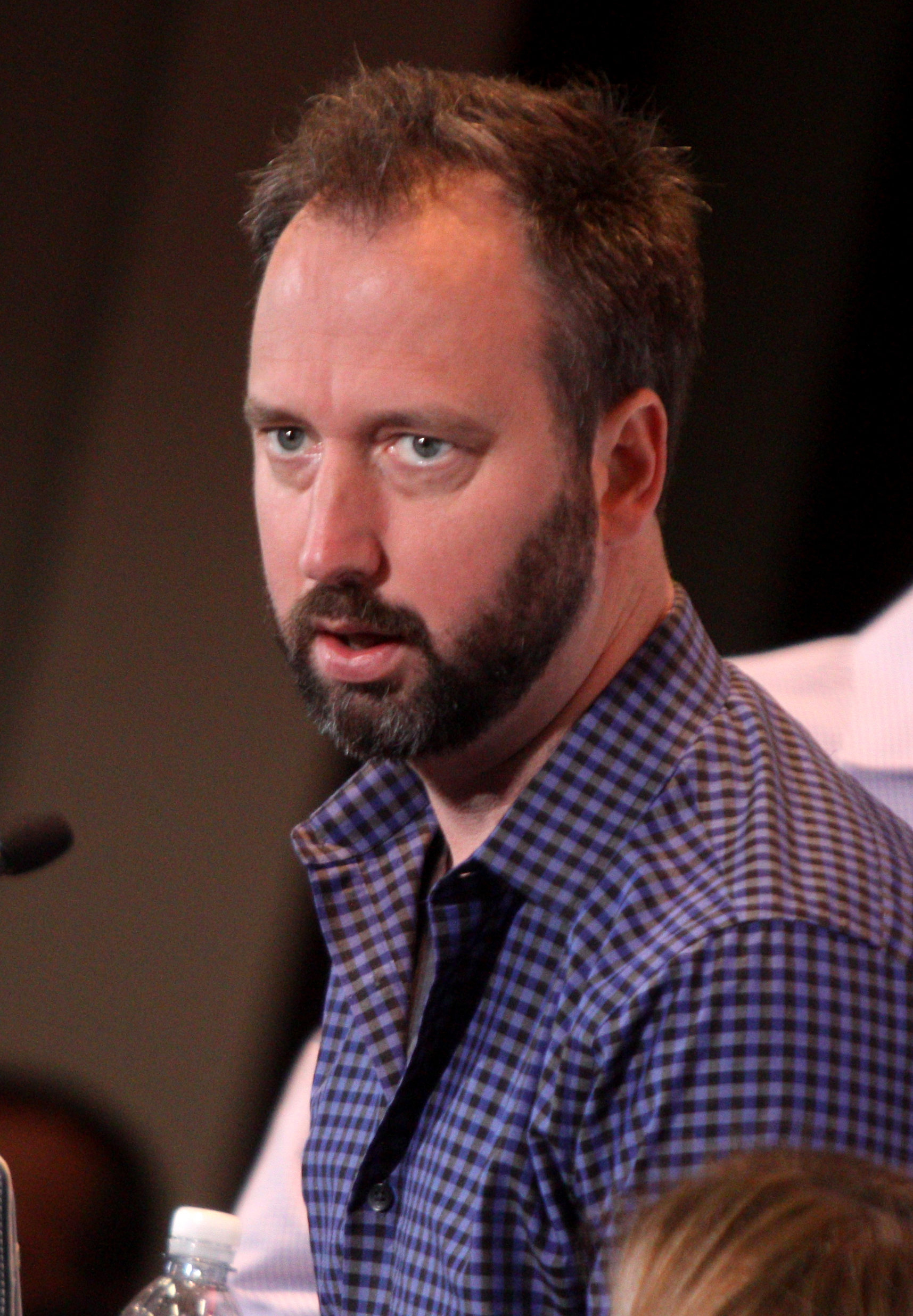 The 45-year old son of father Richard Green and mother Mary Jane Green, 190 cm tall Tom Green in 2017 photo
