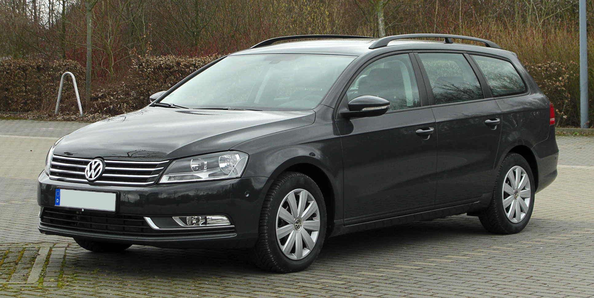 file vw passat variant 2 0 tdi bluemotion technology trendline b7 frontansicht 2 13 m rz. Black Bedroom Furniture Sets. Home Design Ideas