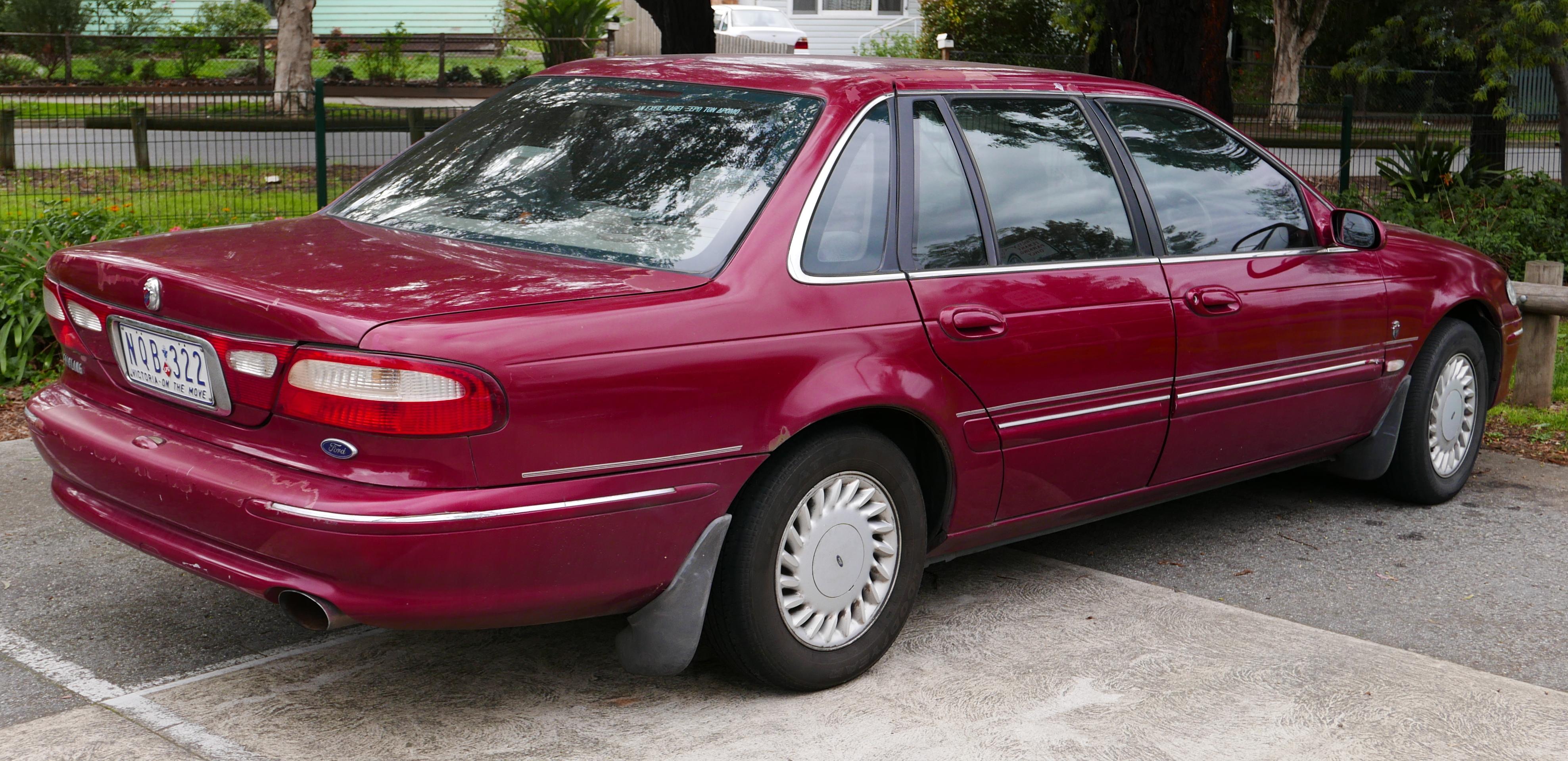 File:1995 Ford Fairlane (NF II) Ghia sedan (2015-05-