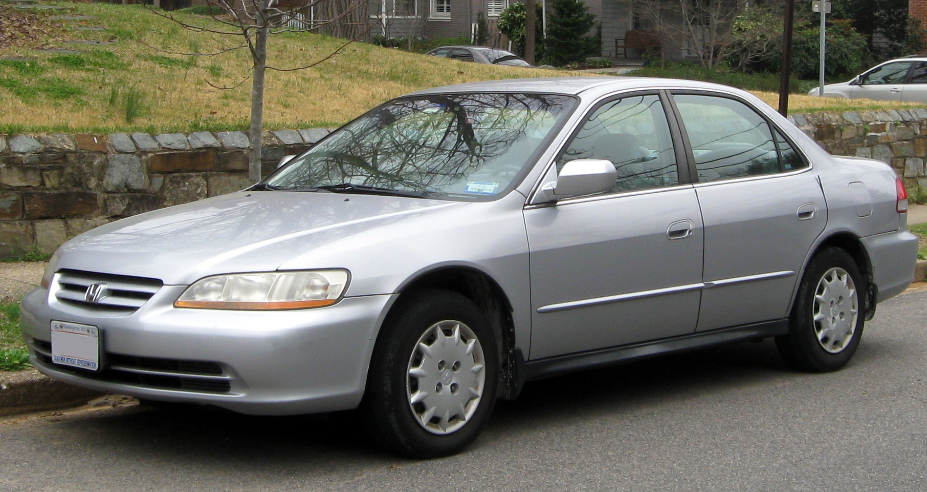 Description 2001-2002 Honda Accord sedan -- 03-16-2012.JPG