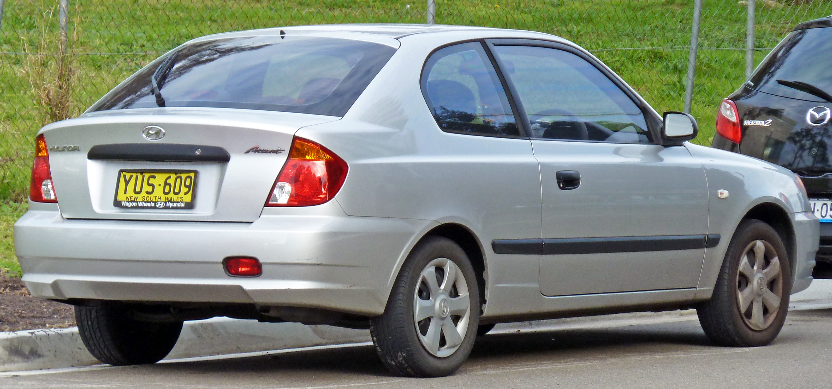 File 2003 Hyundai Accent Lc My03 Gl 3 Door Hatchback 01