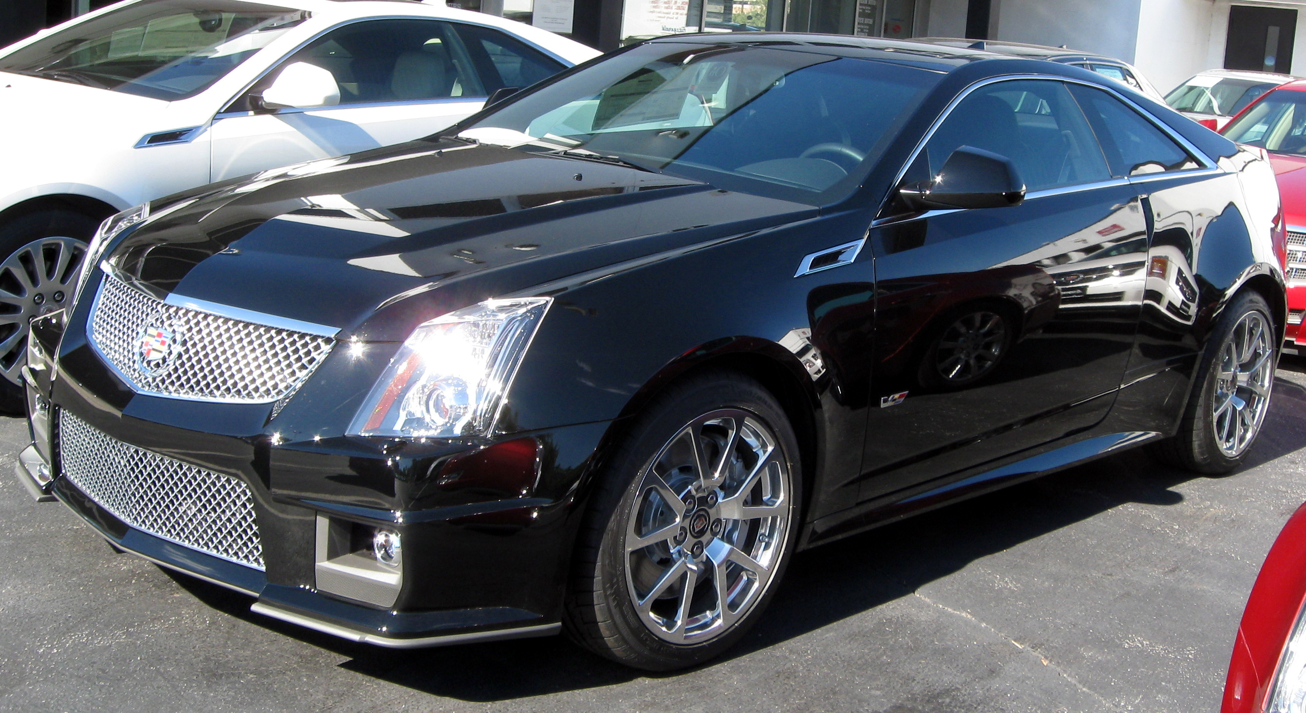 Description 2011 Cadillac CTS-V coupe front -- 10-22-2010.jpg