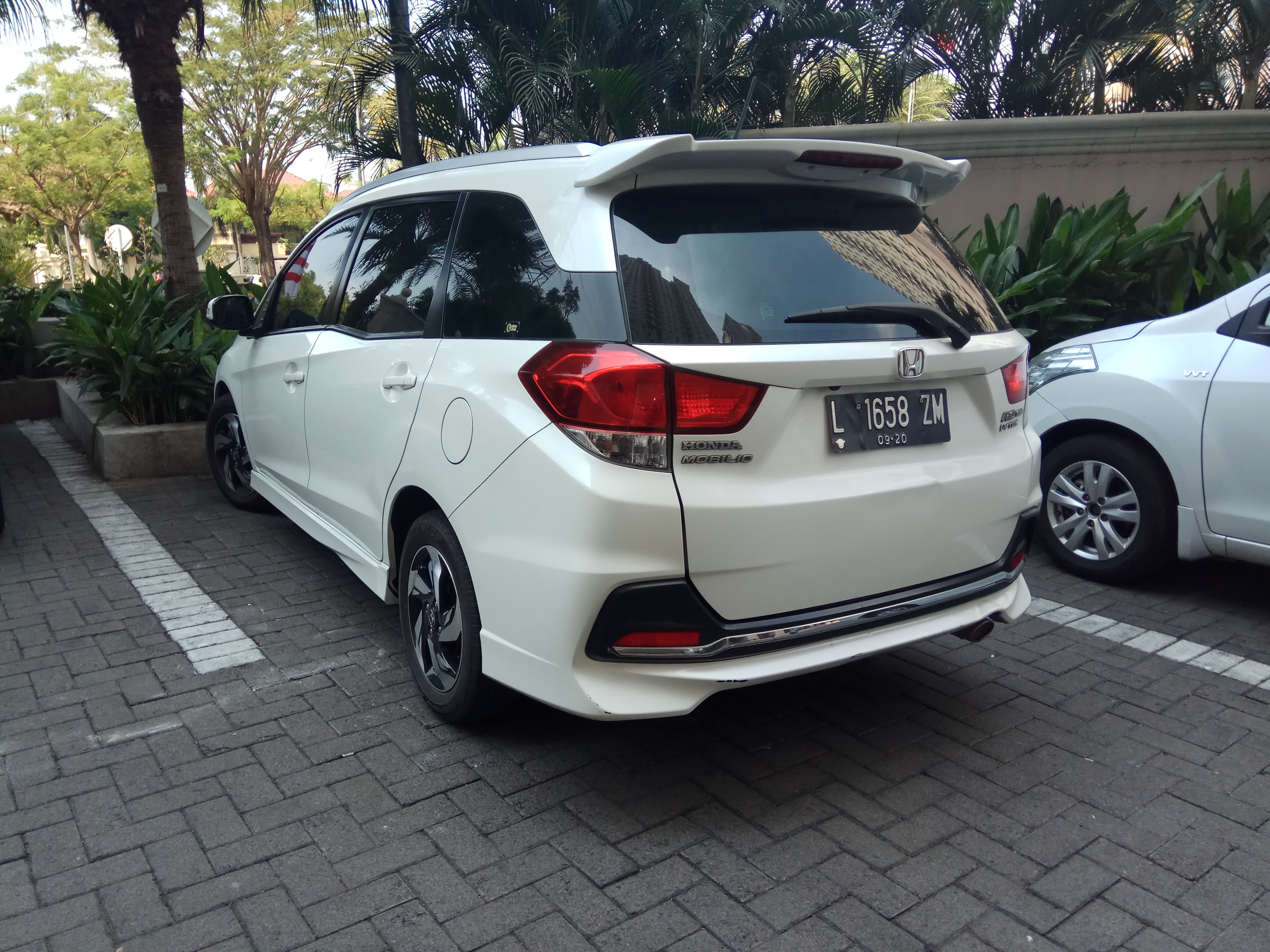 Kelebihan Honda Mobilio Rs Spesifikasi