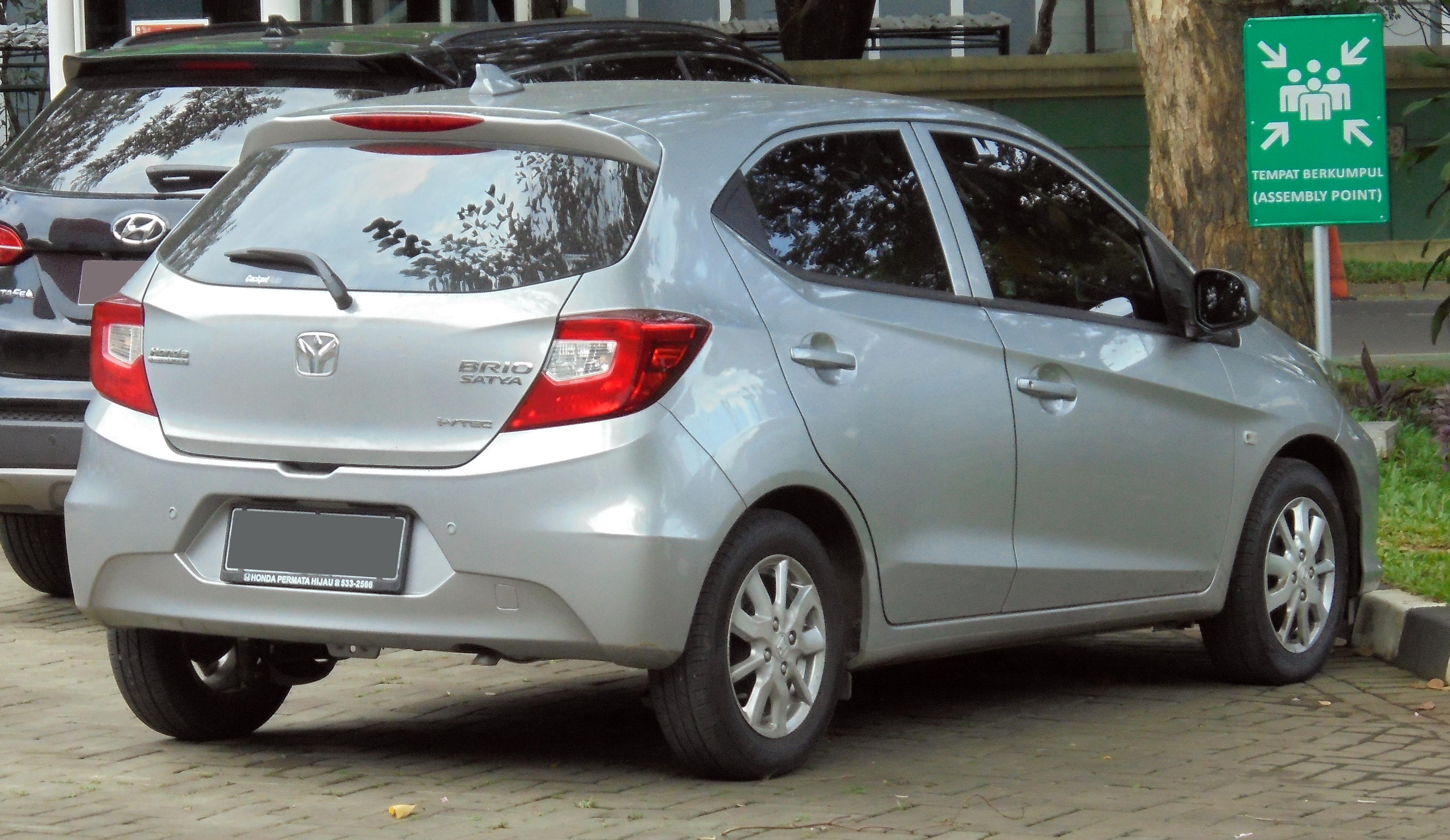 Kekurangan Honda Brio E Review