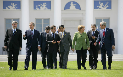 Die Bundesrepublik ist Gründungsmitglied der G8 und G20 (G8-Gipfeltreffen in Heiligendamm, 2007).