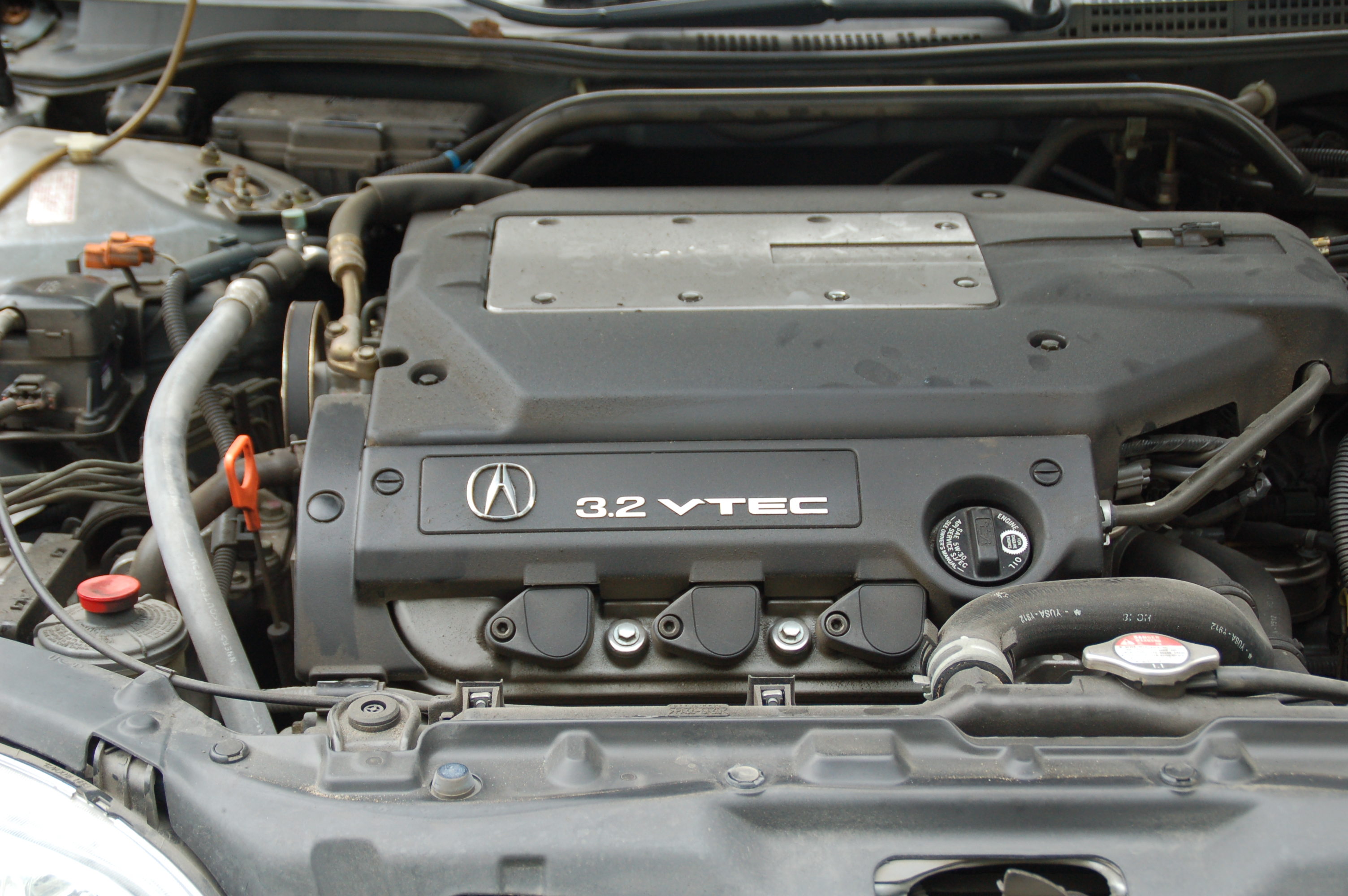 File:Acura TL 3.2 engine.jpg - Wikimedia Commons