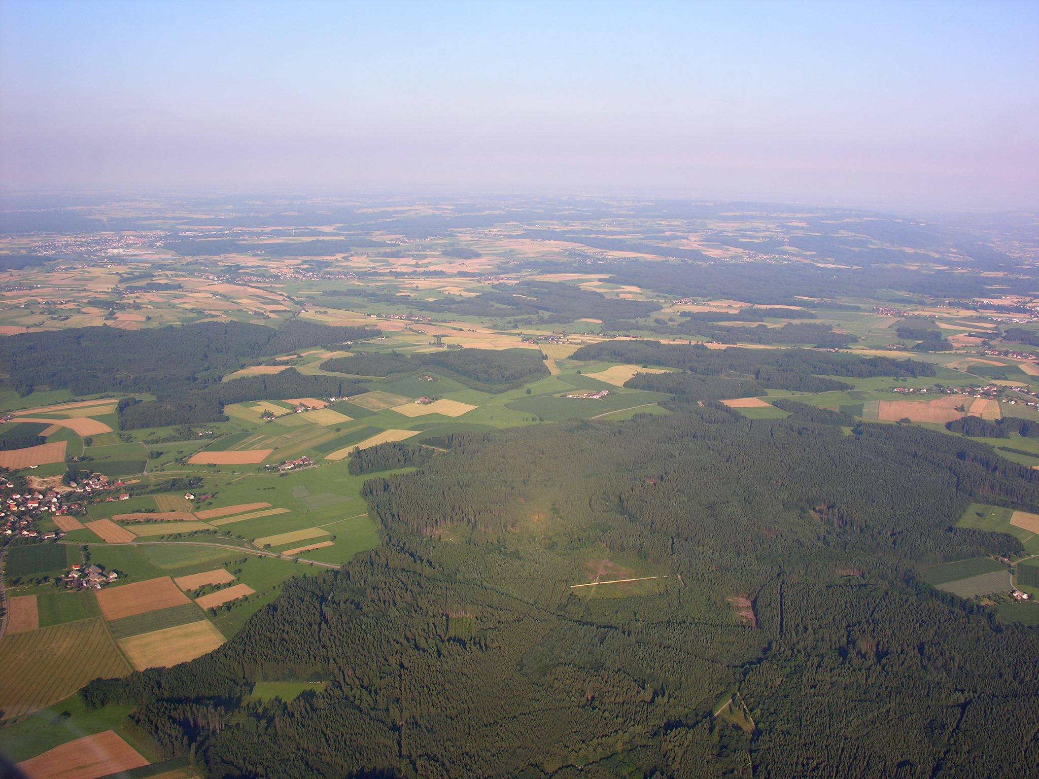 File Aerial View of Landscape near Sentenhart 15 07 2008