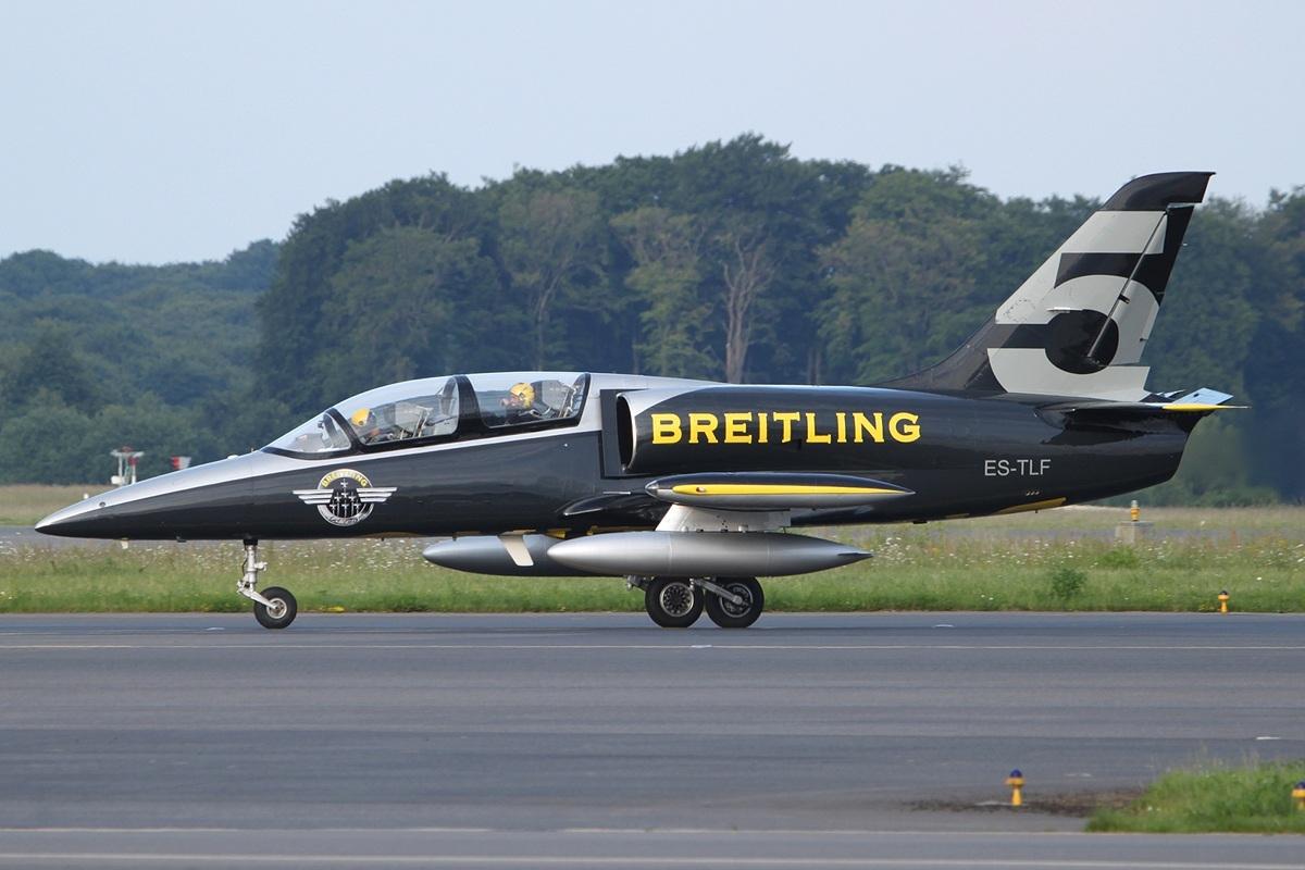 File Aero L 39 Albatros Breitling Jet Team Es Tlf Lux