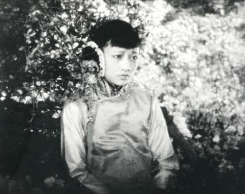 File:Anna May Wong as Lotus Flower in The Toll of the Sea bw.jpg