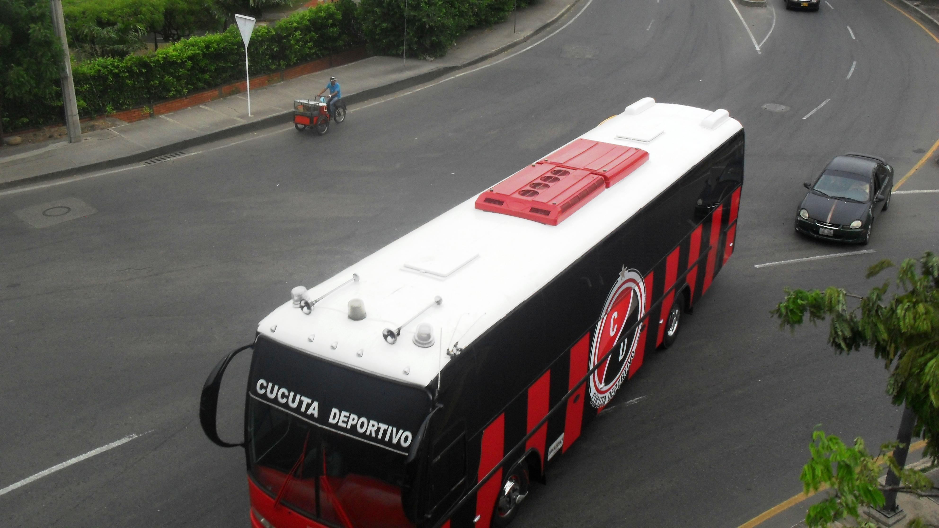 Archivo Autobus Cucuta Deportivo Jpg Wikipedia La Enciclopedia Libre