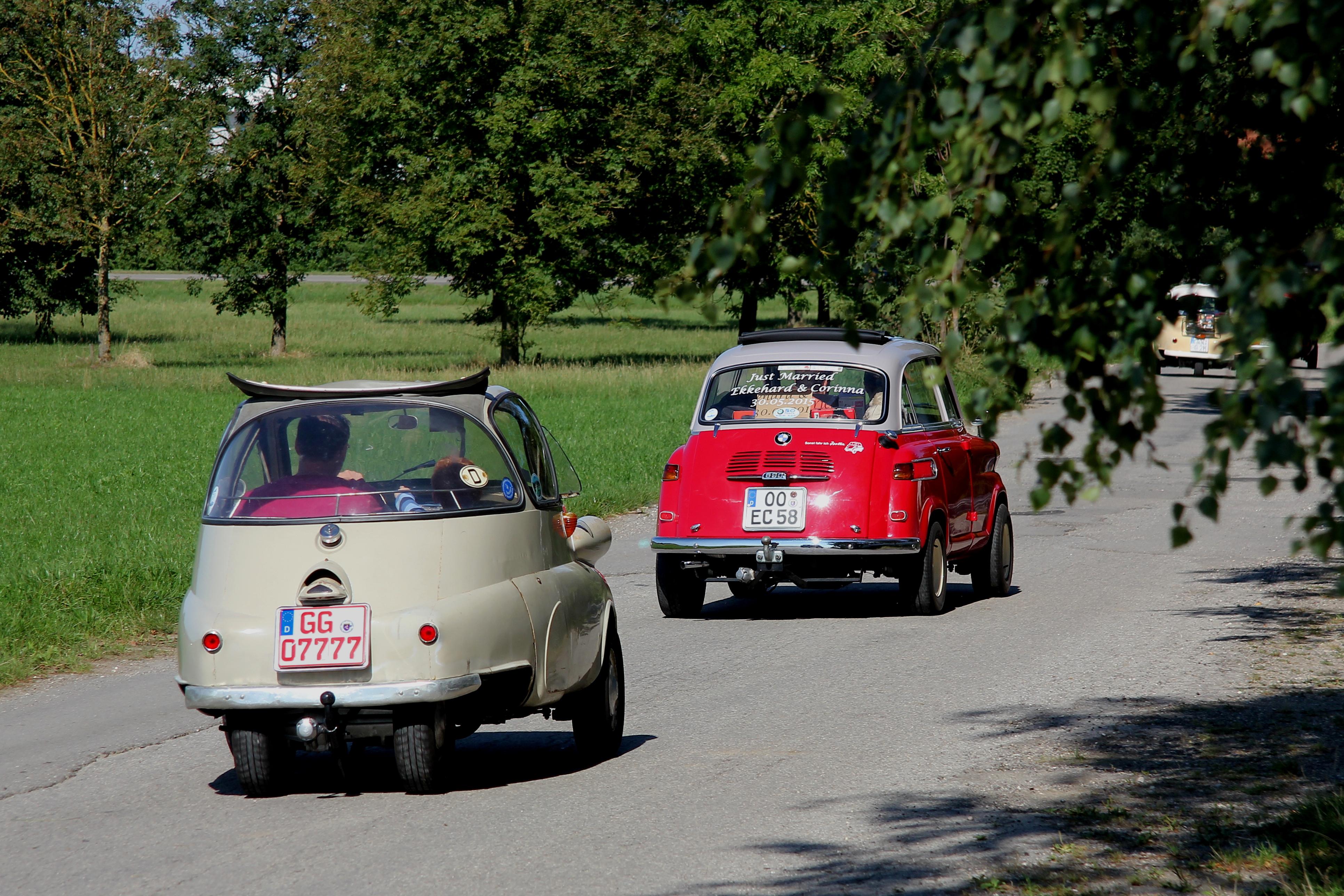 File:BMW Isetta, Bj. 1955, u. BMW 600 (2999 b).jpg - Wikimedia Commons