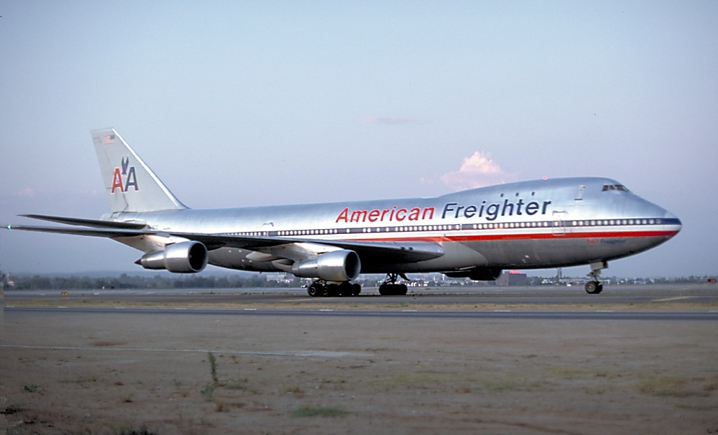 American Airlines New Livery 747