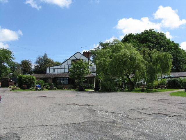 Bromyard Downs - Royal Oak public house - geograph.org.uk - 830662