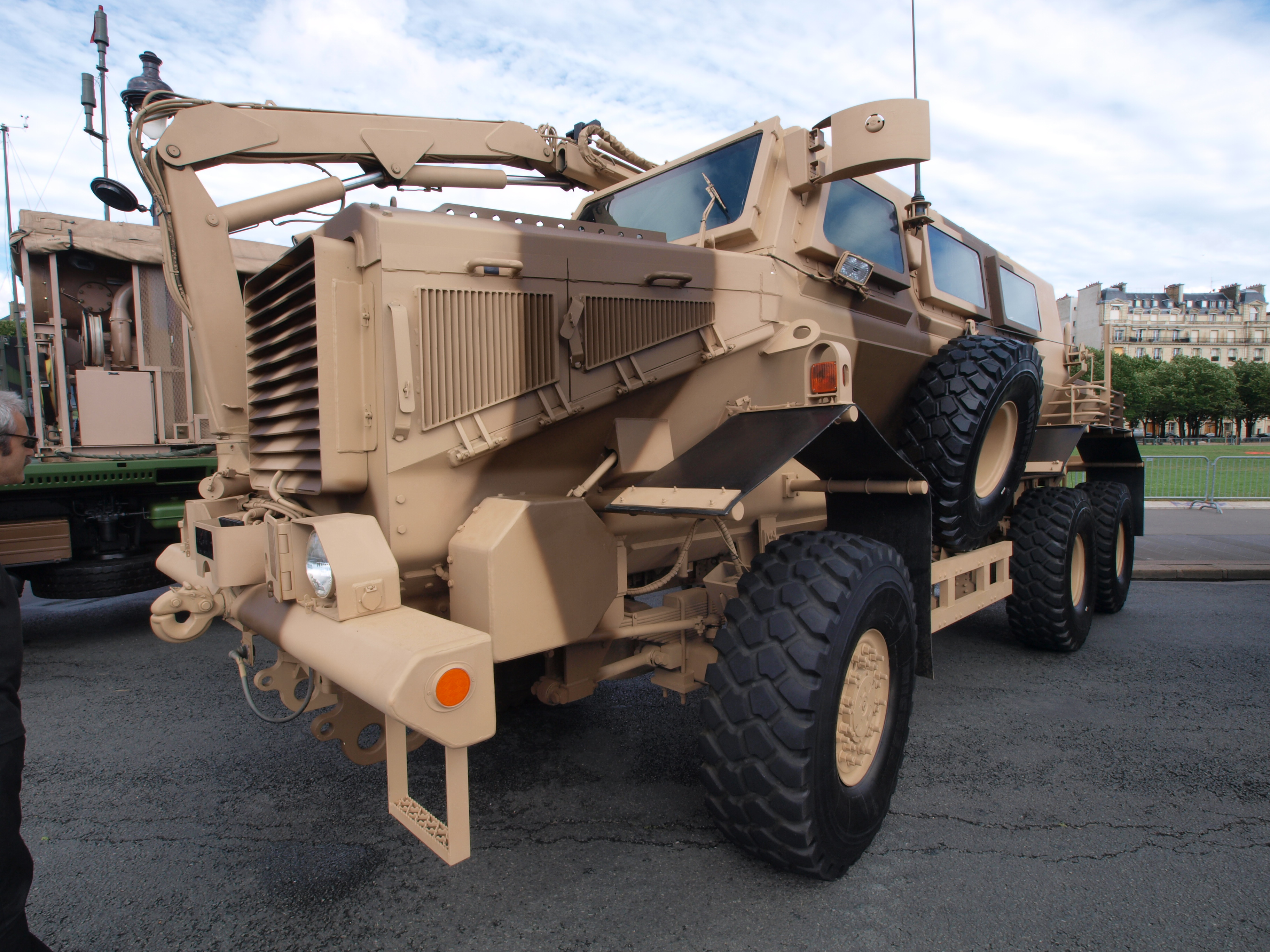 file buffalo mrap mine resistant ambush protected vehicle photo 4 jpg wikimedia commons. Black Bedroom Furniture Sets. Home Design Ideas