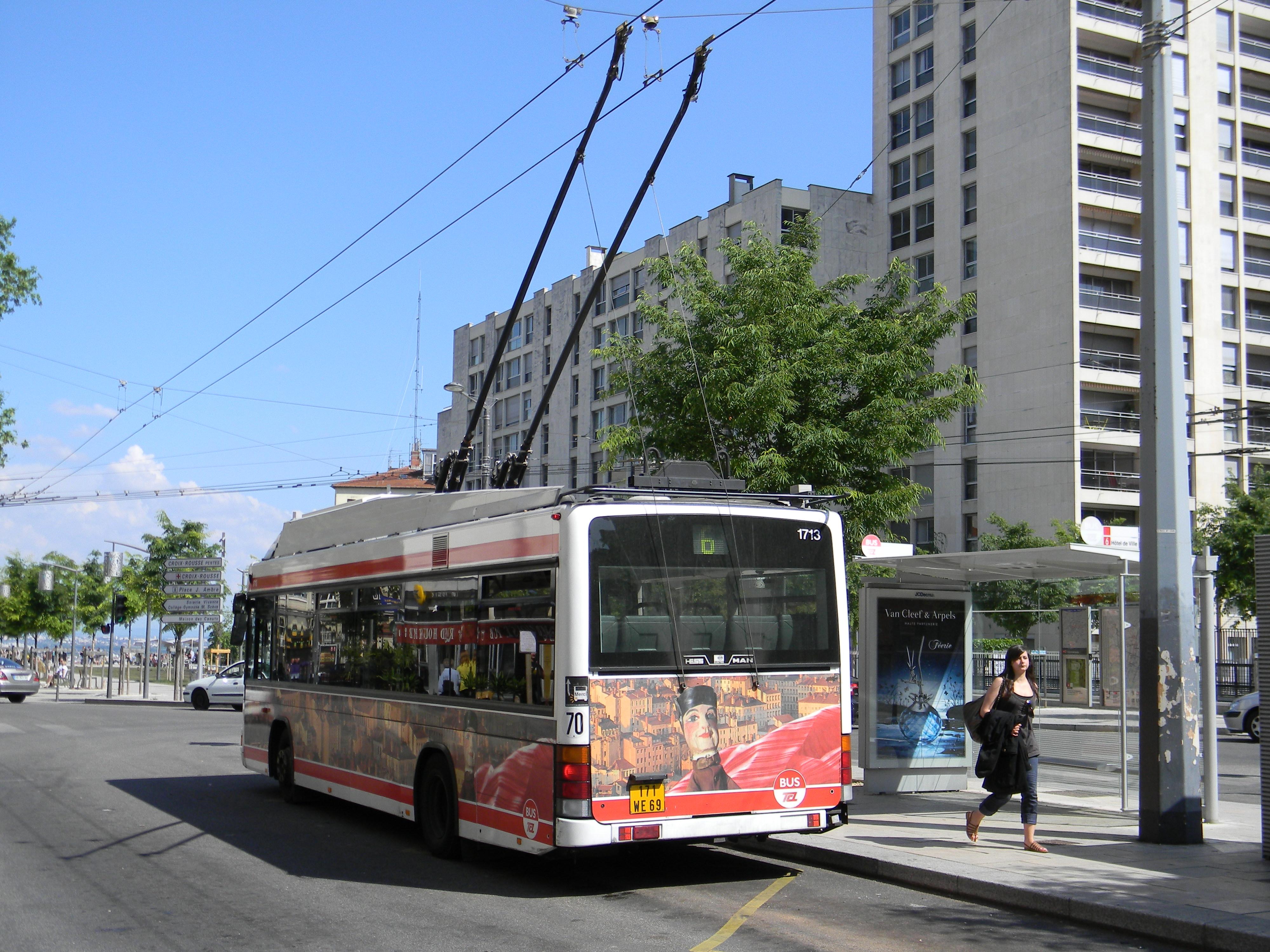 Fichier bus 6 croix rousse lyon jpg wikip dia - Lyon to geneva bus ...