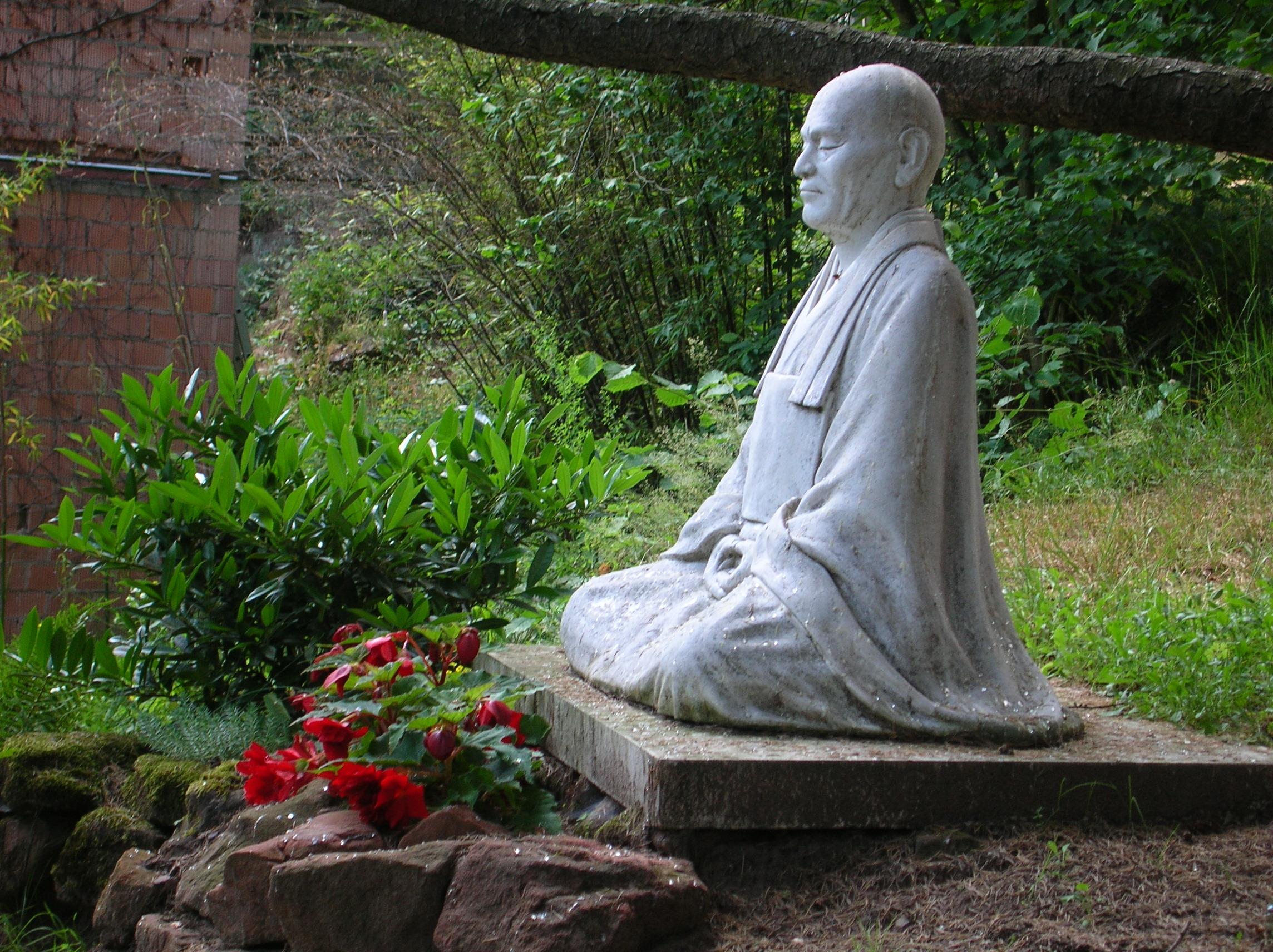 File Deshimaru Zen Tempel Frankreich Jpg Wikimedia Commons