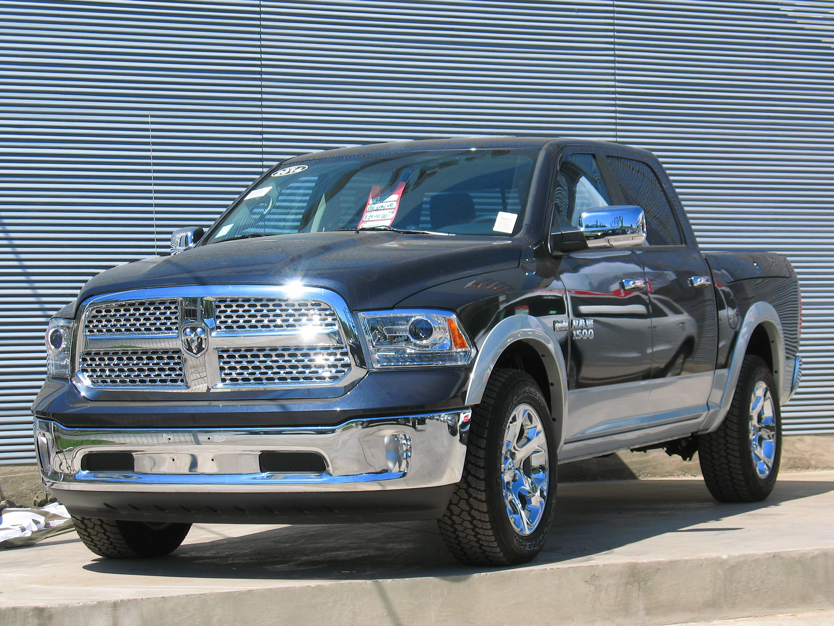 filedodge ram 1500 laramie quad cab 2014 11427220706jpg - Dodge Ram 1500 2014