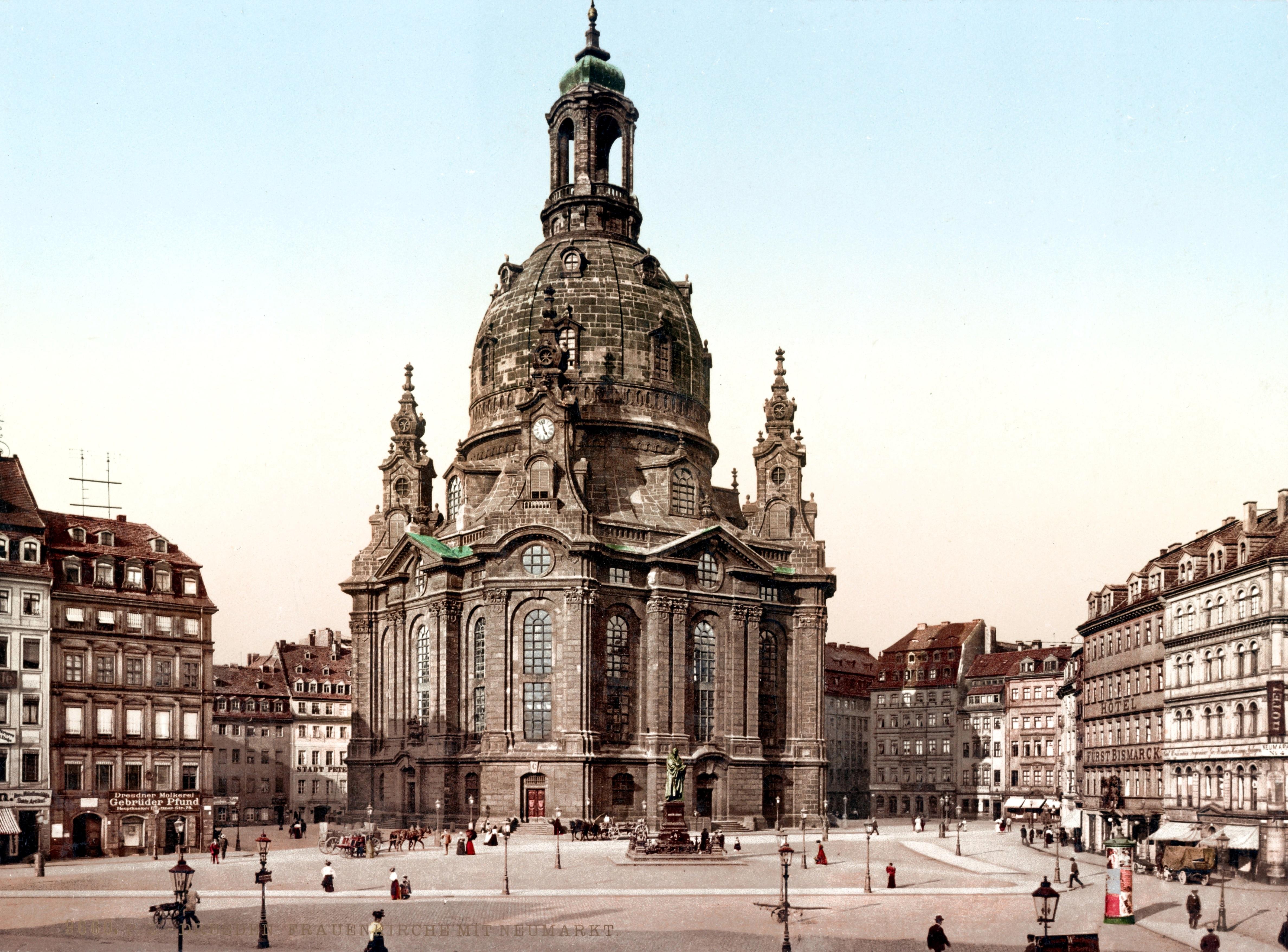 Dresden._Frauenkirche_mit_Neumarkt_LOC_ppmsca.52545.jpg