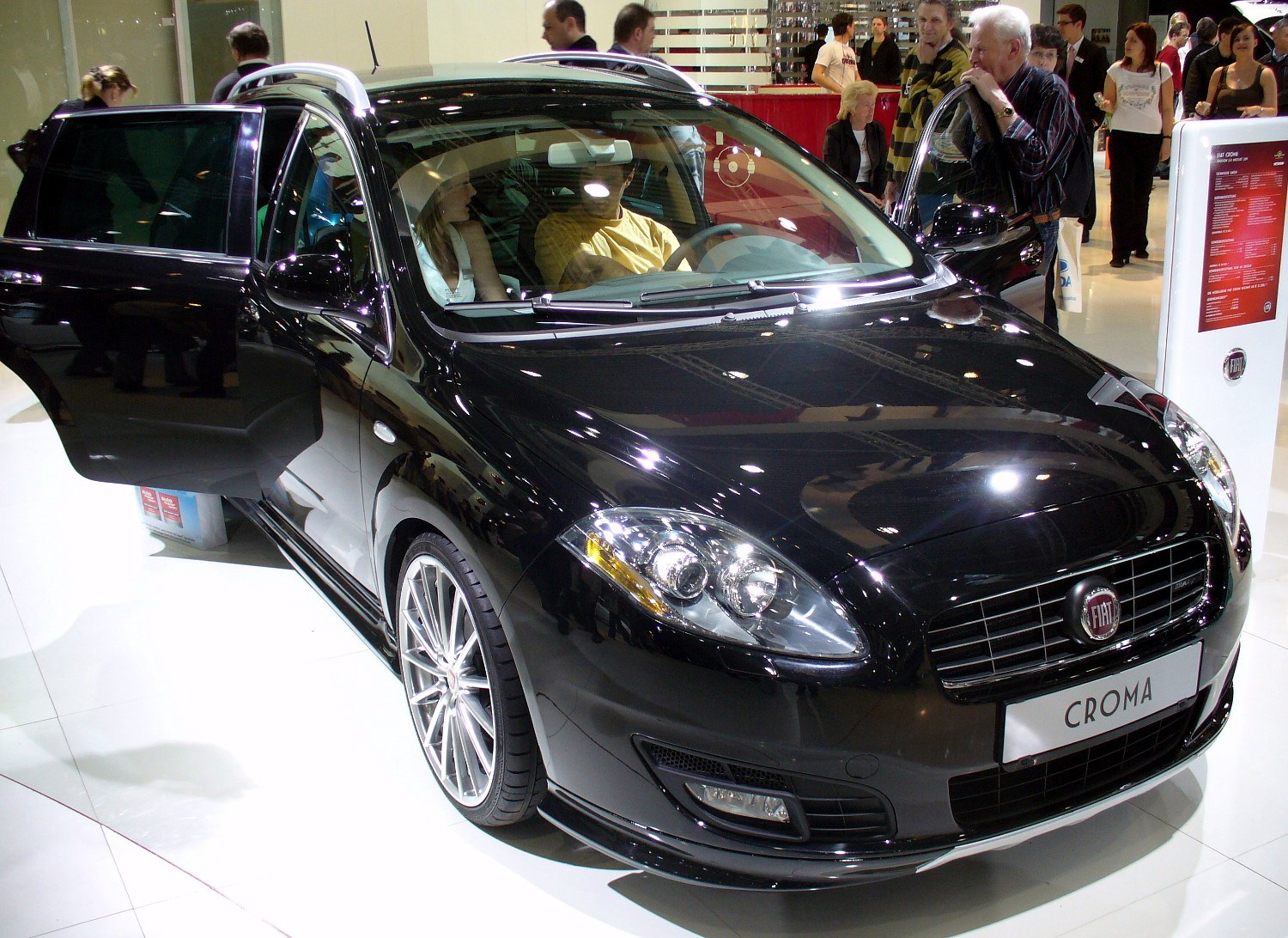 File Fiat Croma Facelift Jpg Wikimedia Commons