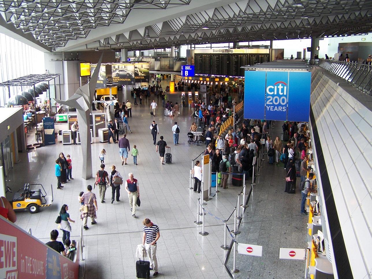 Frankfurt Flughafen Terminal  Cafe Fr Ef Bf Bdhst Ef Bf Bdck