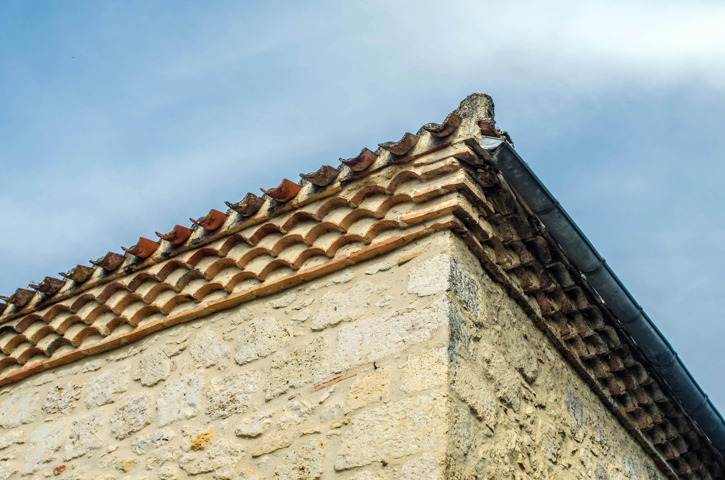 Tuile En Bois Nom génoise (architecture) — wikipédia