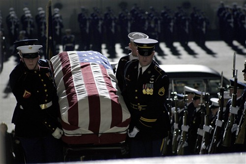 File:Gerald Ford Funeral - casket to US Capitol, 2006Dec30 ...