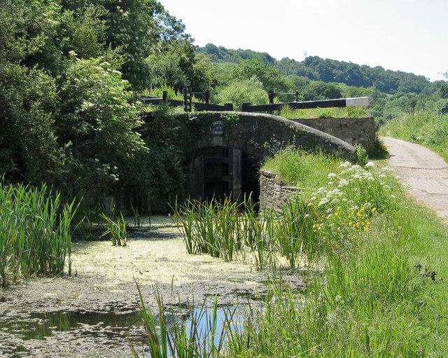 Gwastad Lock 2, Mon. and Brec. Canal, Newport. - geograph.org.uk - 380696