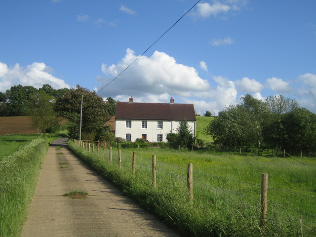 House near Starveall Farm, Stone - geograph.org.uk - 440718