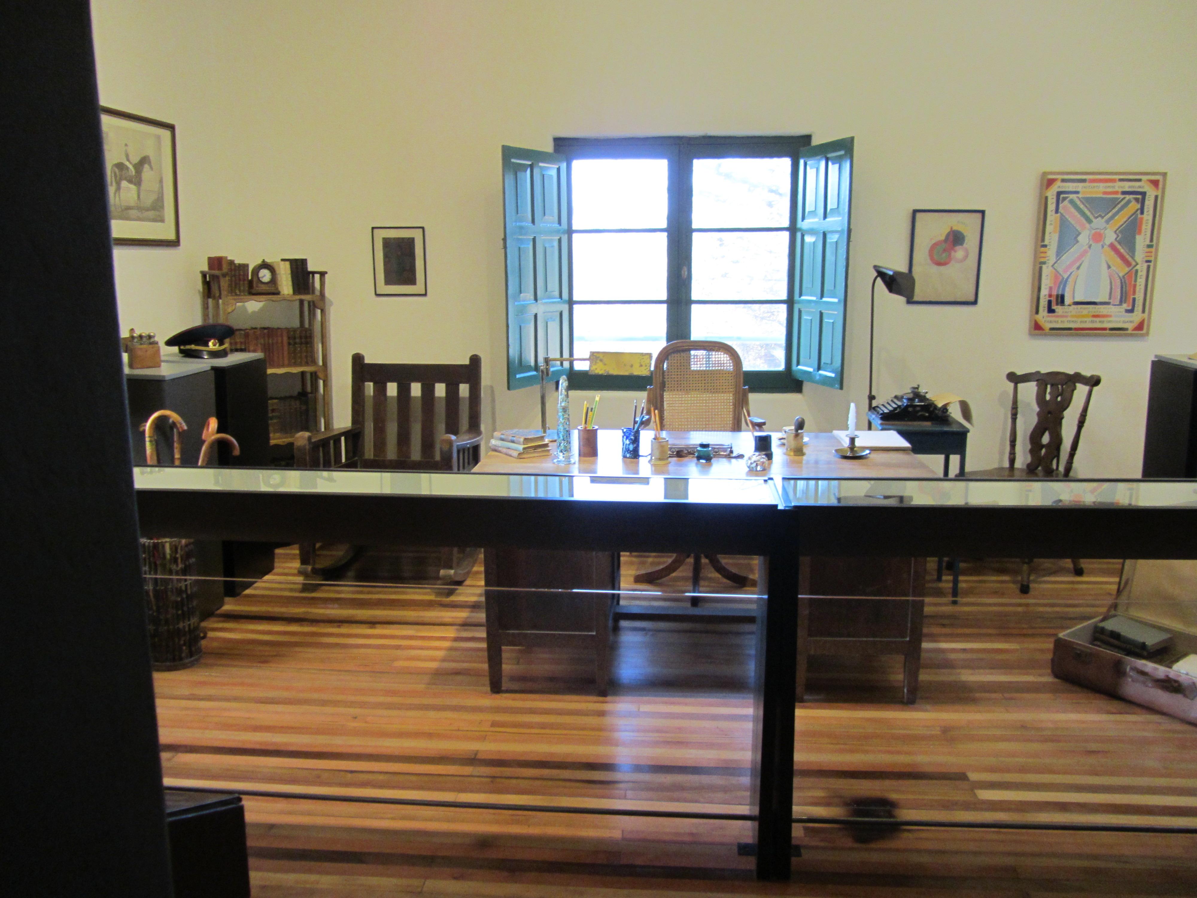 El escritorio de Huidobro en su Casa Museo de Cartagena.