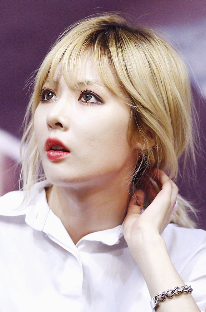 File:HyunA at Trouble Maker fan event, 2013 02.jpg ...Hyuna 2013