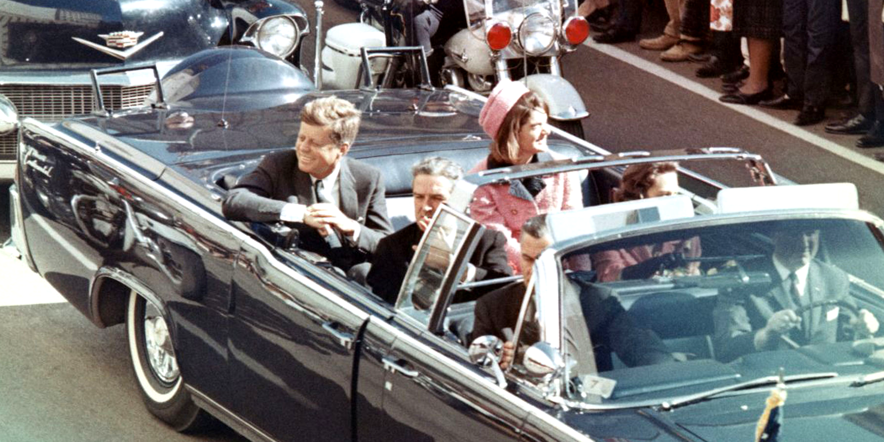 File:JFK limousine cut off ver..png - Wikipedia