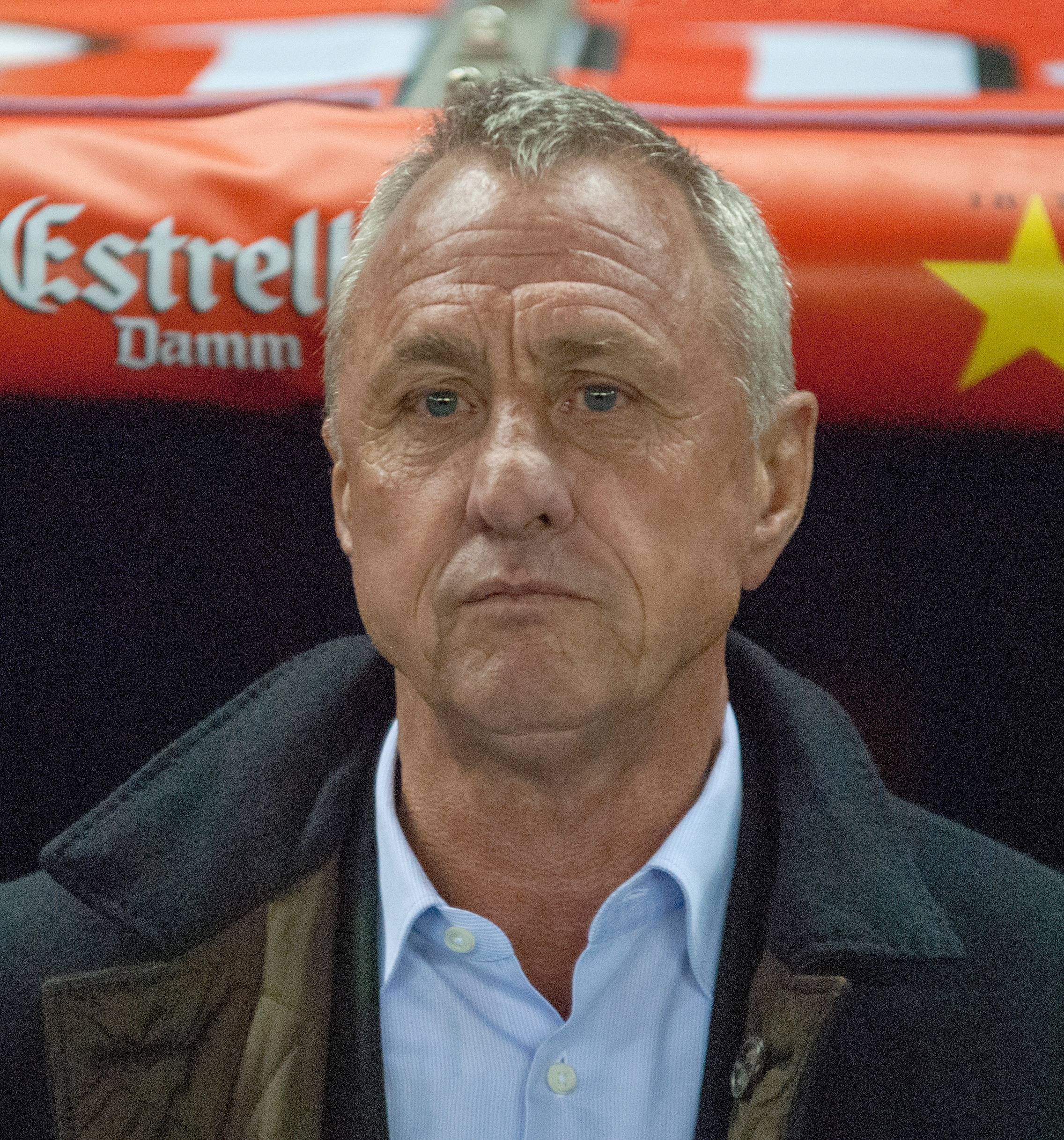The 71-year old son of father Hermanus Cornelis Cruijff and mother(?), 180 cm tall Johan Cruijff in 2018 photo