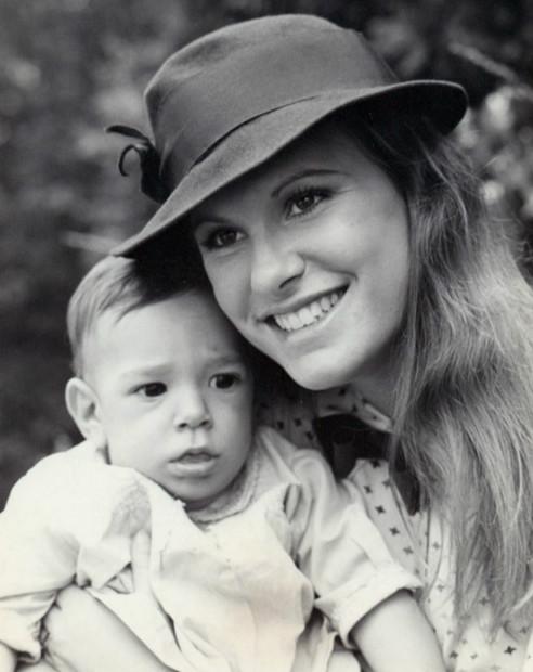 Description Judy Norton-Taylor Mary Ellen Walton 1977.JPG
