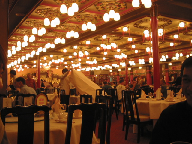 File jumbo floating restaurant inside g wikimedia