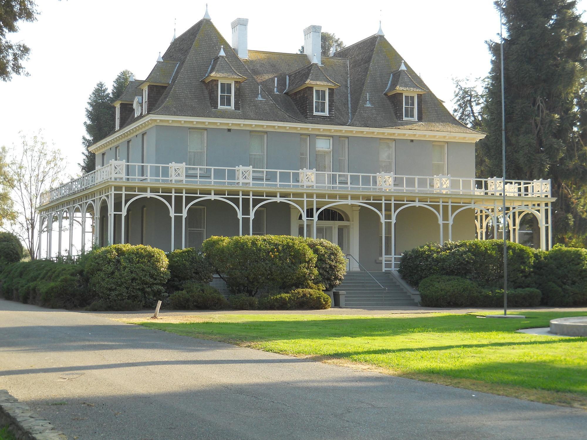 Kearney Park Mansion.JPG