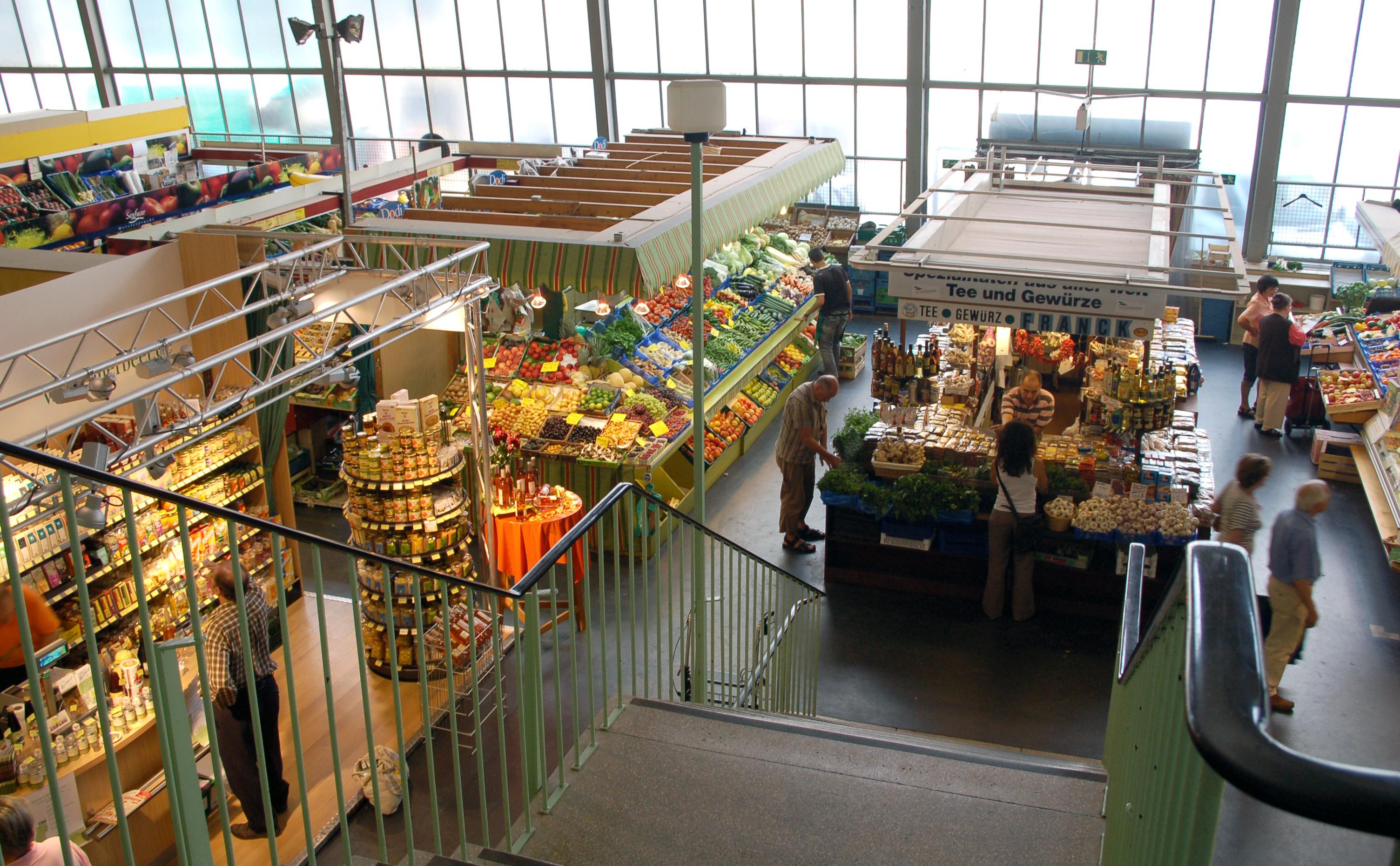 Kleinmarkthalle Frankfurt Empore.jpg