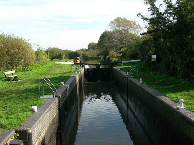 Latton Lock - geograph.org.uk - 258525