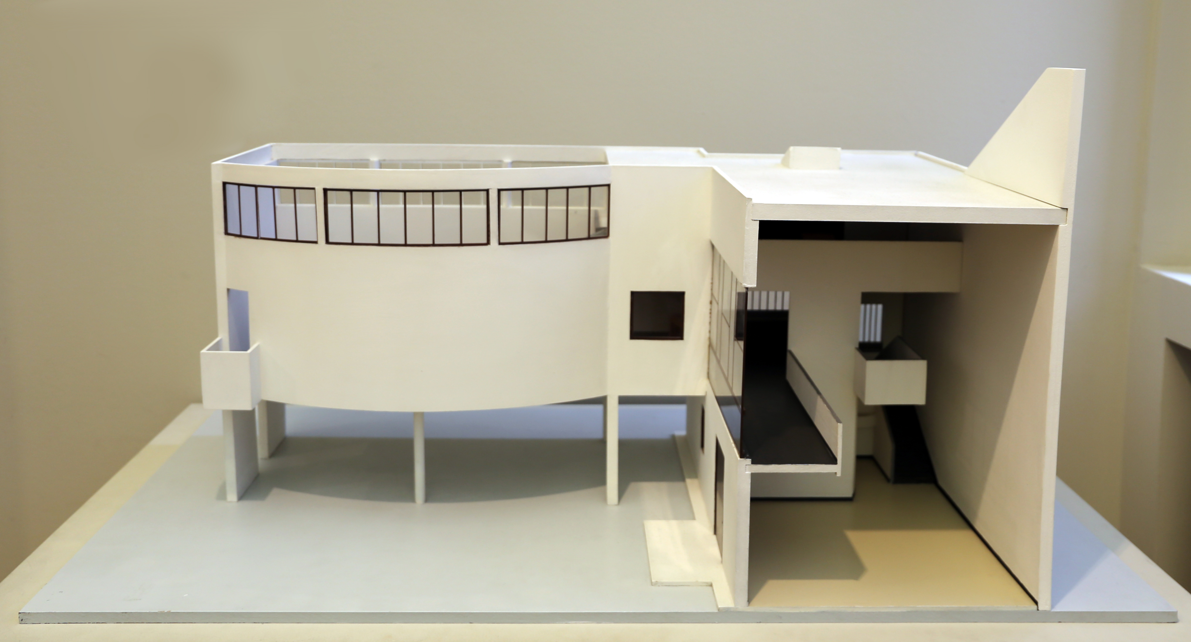 maison la roche le corbusier this is the third house. Black Bedroom Furniture Sets. Home Design Ideas
