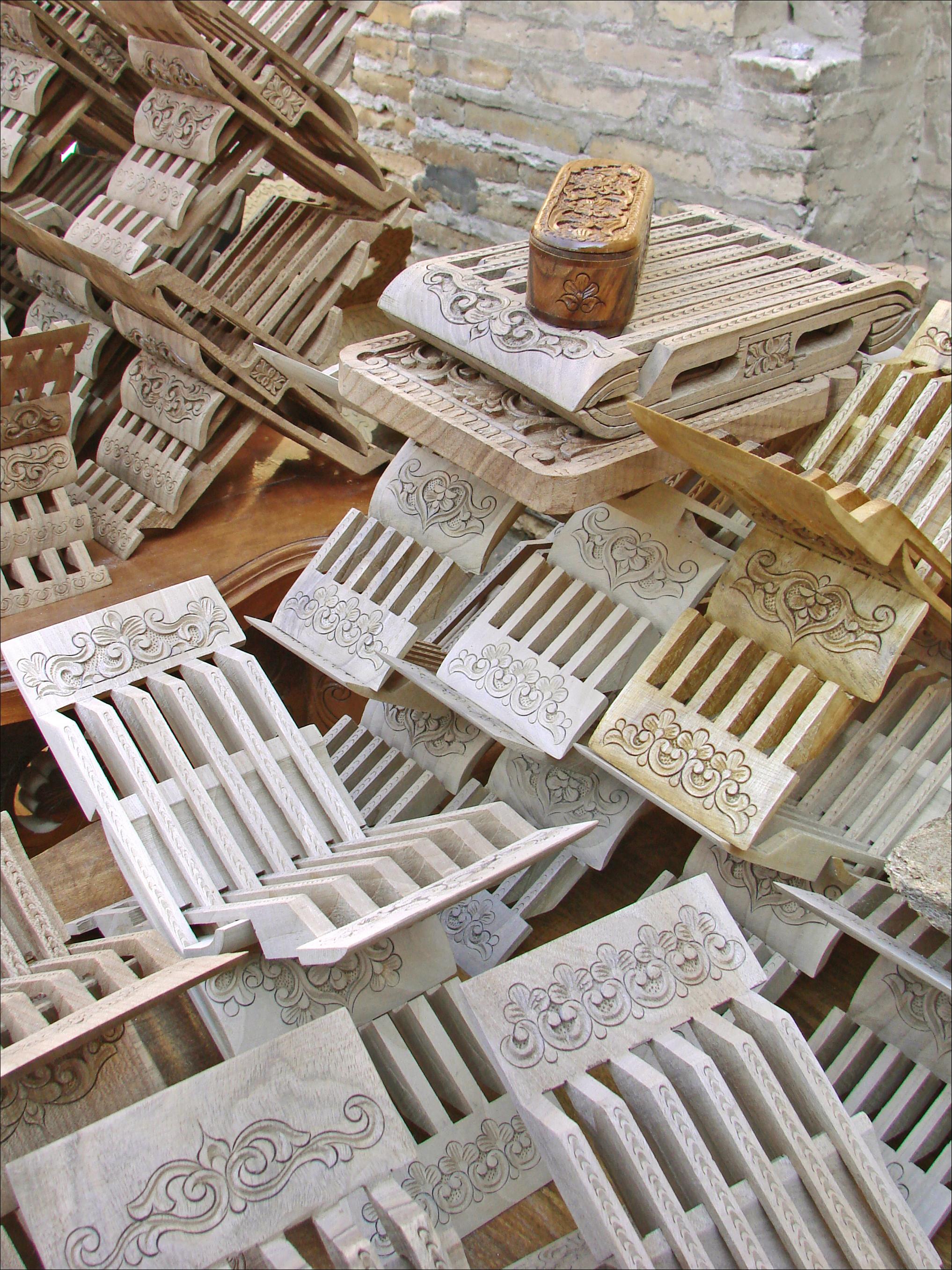 file le travail du bois khiva ouzb kistan 5606299013. Black Bedroom Furniture Sets. Home Design Ideas
