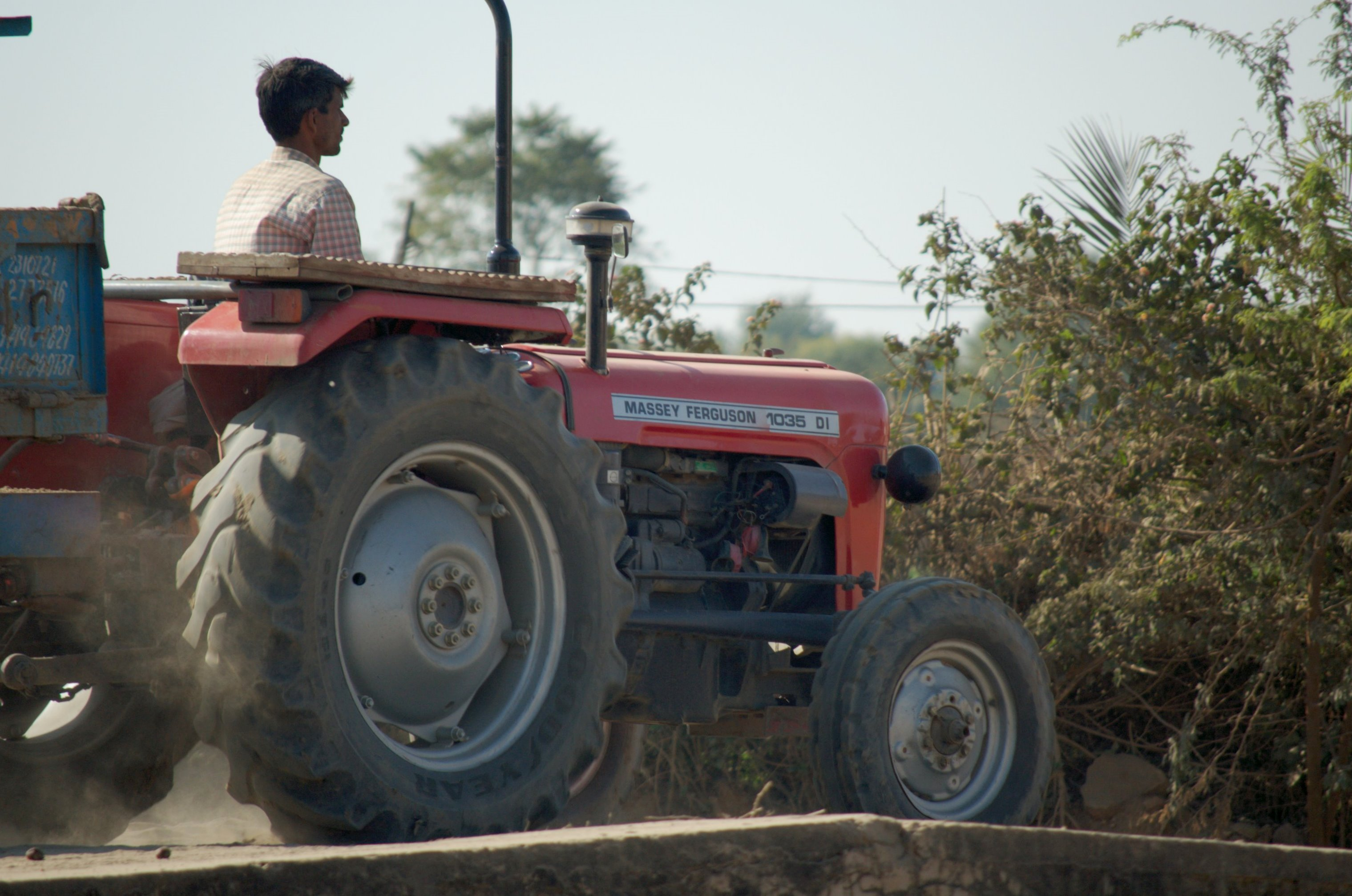 File:Massey Ferguson 1035 DI in India.jpg