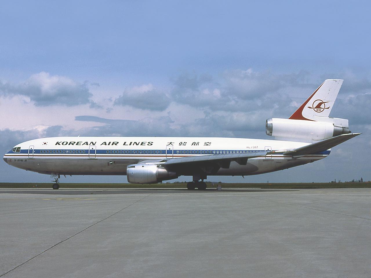 """Résultat de recherche d'images pour """"image de dc 10 de la korean air airlines"""""""