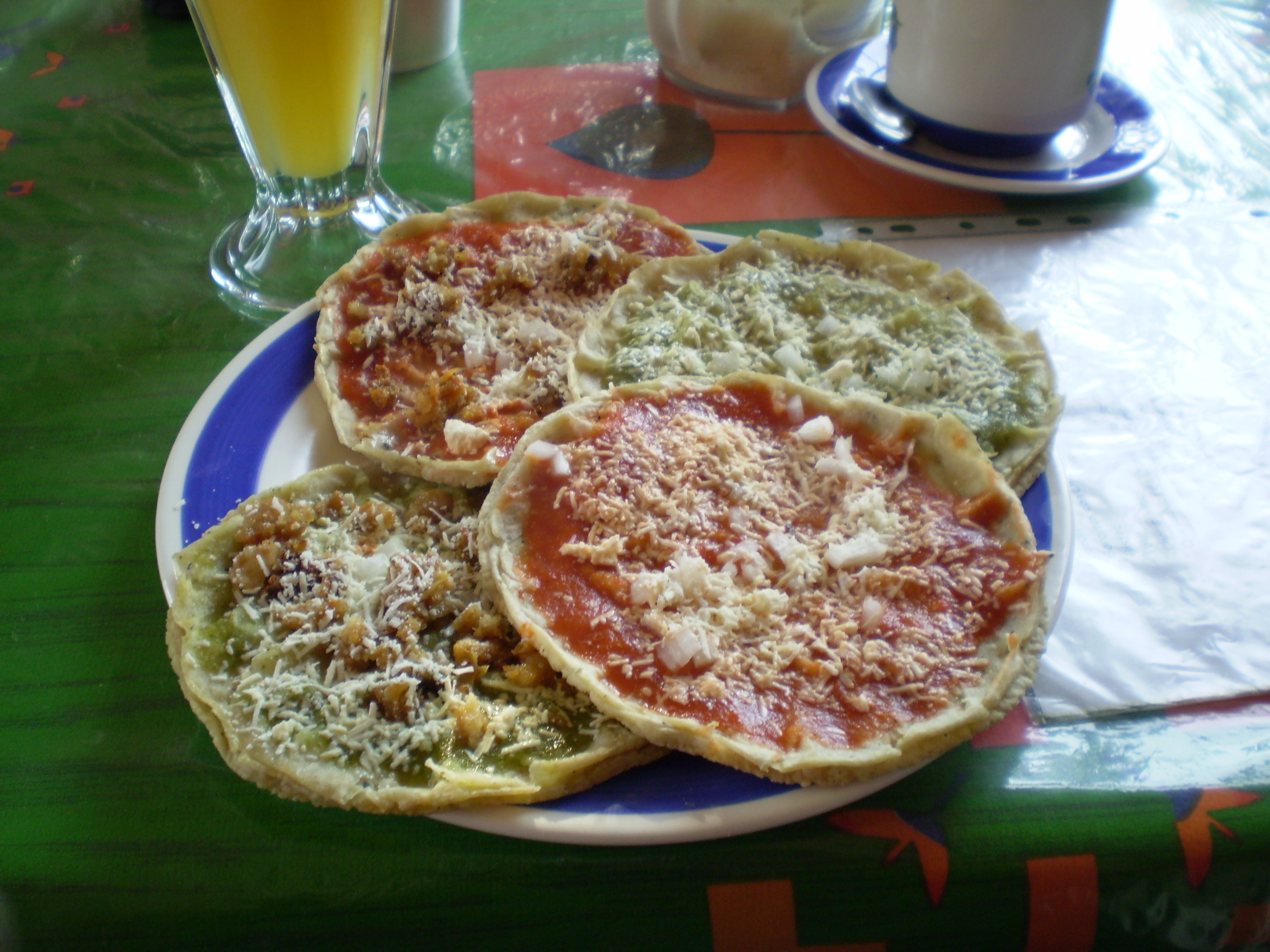 File:Mexican sopes.jpg - Wikimedia Commons