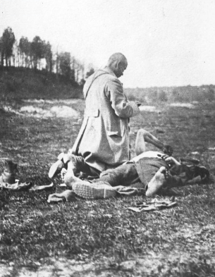 Polish–Soviet War, chaplain anointing a dying soldier